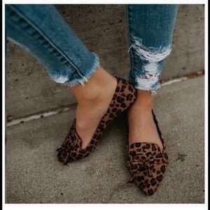 🐆 Leopard print vegan suede flats Sz 8.5